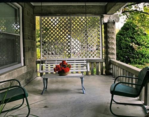 patio-outdoor-space-582x457 - Foisoare, terase sau spatii semiinchise, usor de amenajat