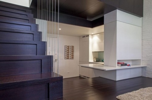 Bucataria e separata, iar blaturile subtiri contureaza modernismul stilului - Cum poate fi proiectat un apartament pe nivele. Manhattan