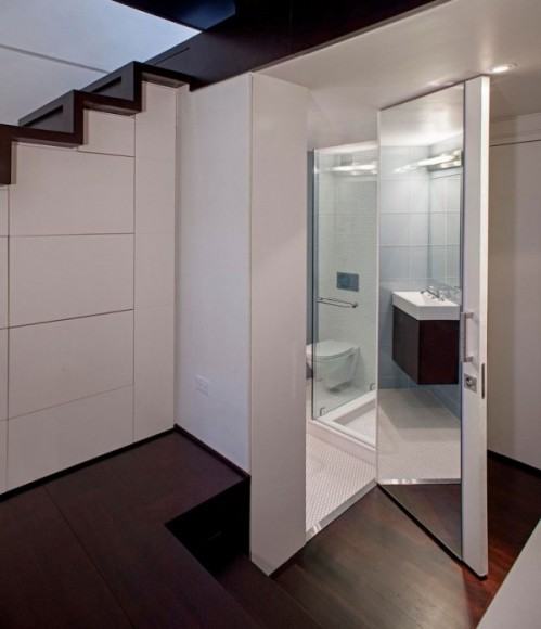 Baia, minimalism si eficienta - Cum poate fi proiectat un apartament pe nivele. Manhattan