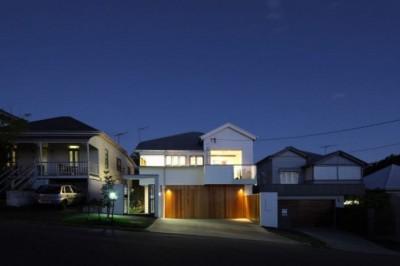 Locuinta Queensland - O locuinta de dinainte de razboi transformata intr-un element de arhitectura moderna