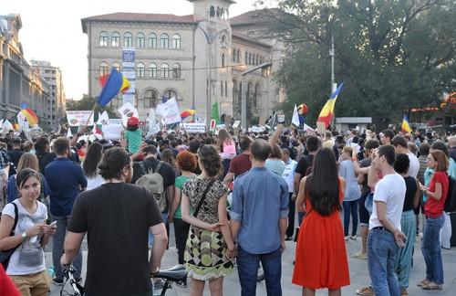 5085 - Protest, duminica seara, de la 5, la Universitate