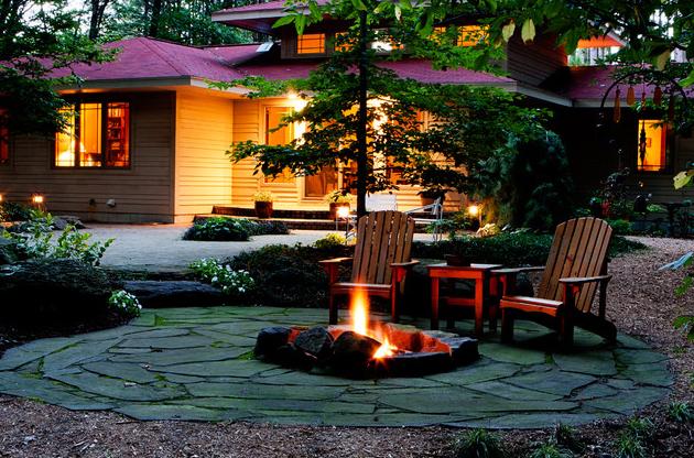 Grand Rapids Landscape Architect Blue Ridge Landscaping - Vetre de foc in aer liber si aranjamente