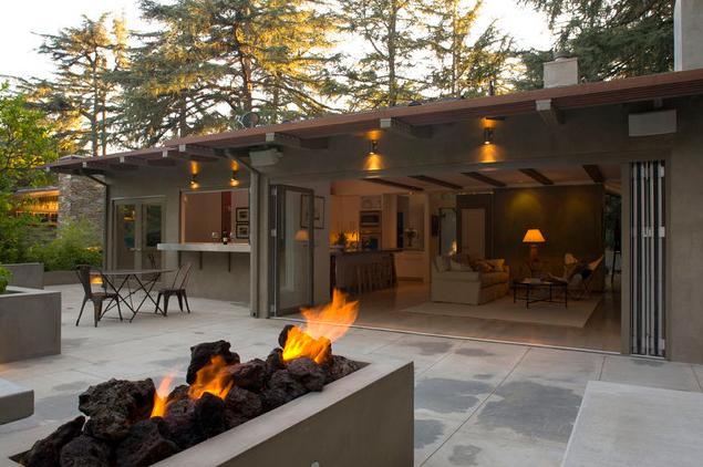 Think Design Office via Houzz - Vetre de foc in aer liber si aranjamente de vis