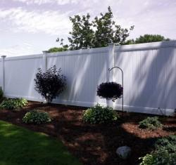 Gard Pvc de tip compact - Colorado - Garduri din PVC