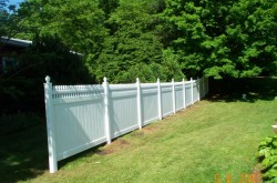 Gard de tip compact Nevada - Garduri din PVC