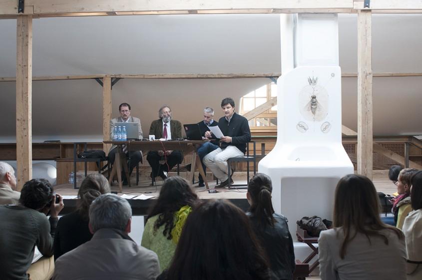 Conferinta in mansarda OAR Bucuresti Alburnus Maior cu sprijinul Fundatiei Pro Patrimonio si OAR - Conferinta