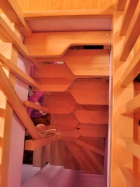 Scara interioara din lemn - Realizata la comanda - Scari interioare din lemn - Realizate la comanda - TURSO HOLZ