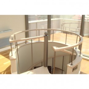 Scara rotunda pe structura metalica placata cu lemn - Placari cu elemente din lemn pentru scari metalice