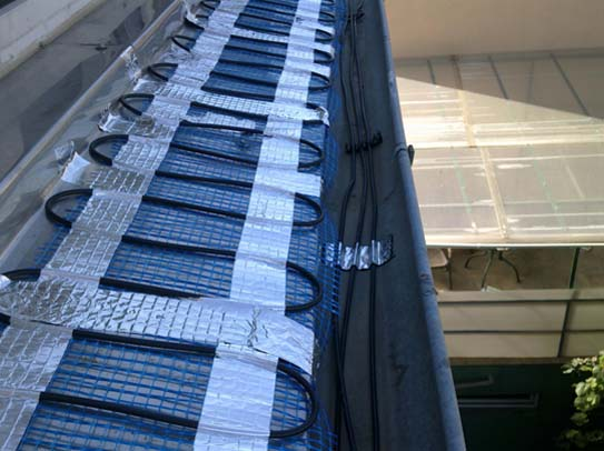 Sistemul de degivrare pentru jgheaburi burlane si acoperisuri - Sistemul de degivrare pentru jgheaburi burlane si