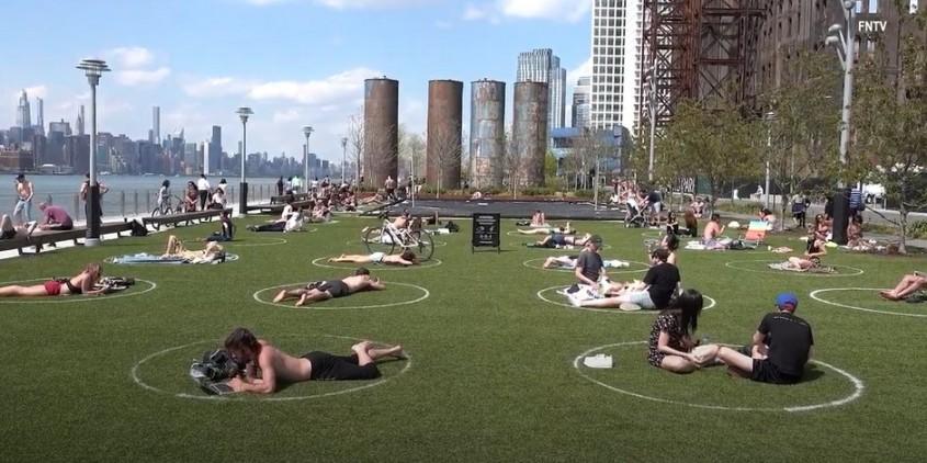 Idei creative pentru asigurarea menţinerii distanţării fizice în spaţii publice