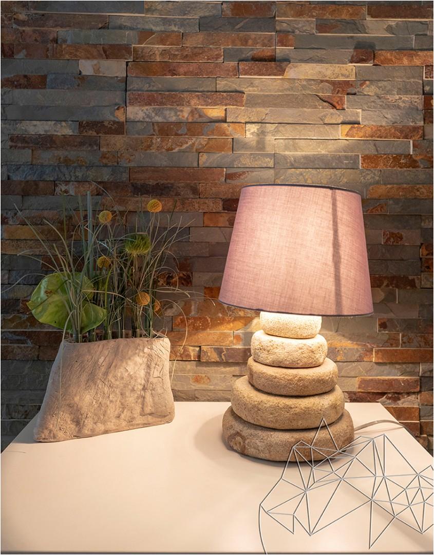 6 idei de amenajare a livingului cu piatră naturală