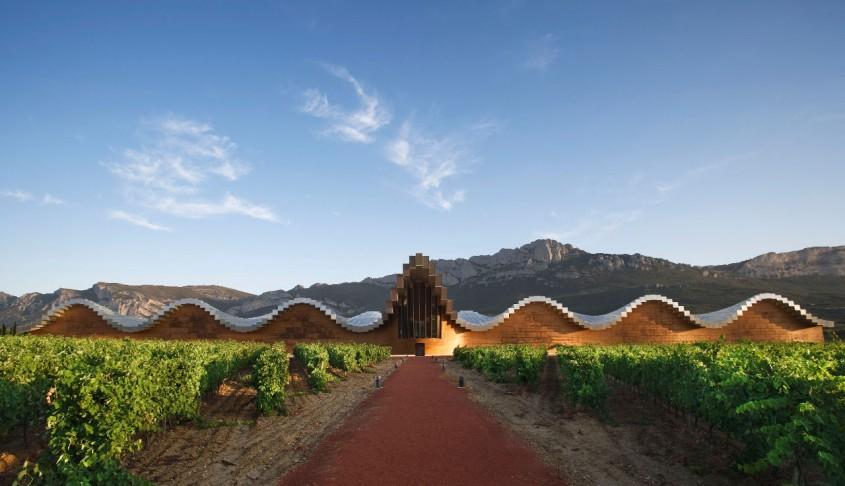 <b>6. Bodegas Ysios, Spania</b>