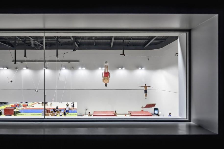 <b>Azur Arena din Antibes, France  - Aldo Amoretti (Italia)</b>