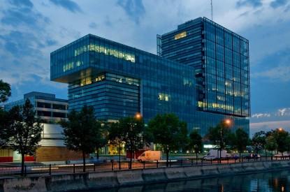 Prelucrare sticla complex de birouri Sema Parc