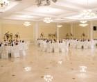 Finisajul ultrafin al peretilor si plafoanelor cu tencuieli usoare pe baza de ipsos la Ballroom Casa