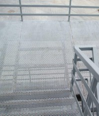 Podine si trepte din tabla expandata
