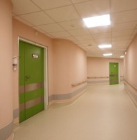 Usa batanta pentru saloane medicale - TORMED S