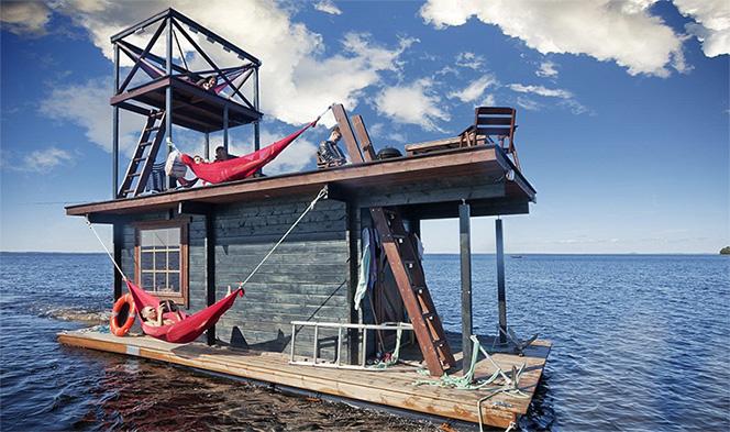 <b>Sauna plutitoare</b>