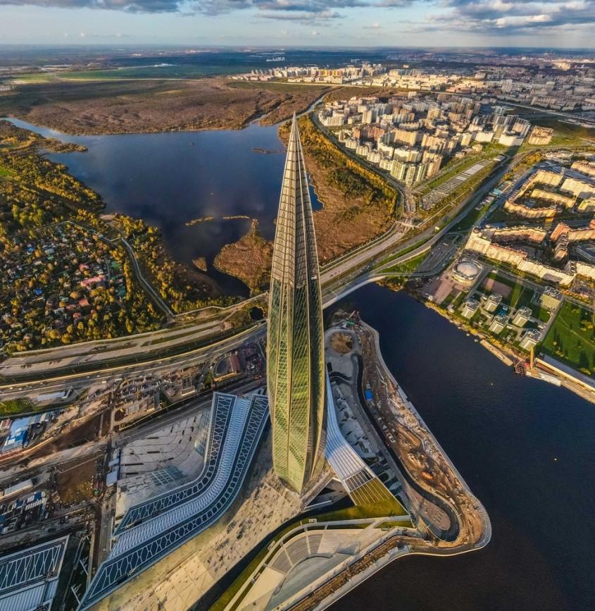 Cel mai impresionant zgârie-nori nou se află în Rusia