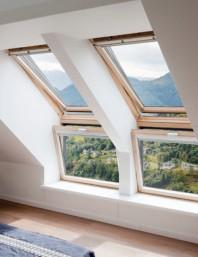 Fereastra verticala pentru combinatie cu fereastra de mansarda - VELUX VFE