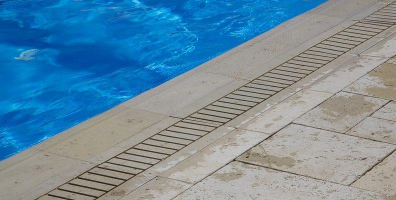 Bordura piscina Arvore