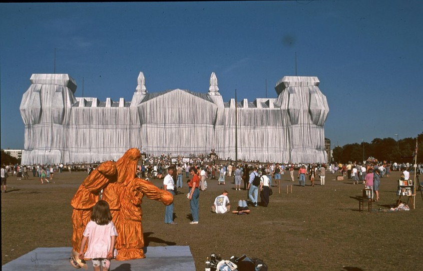 Wrapped Reichstag - Berlin (1995)