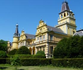 Sticla celulară utilizată la renovarea Castelului Wenckheim din Szabadkígyós