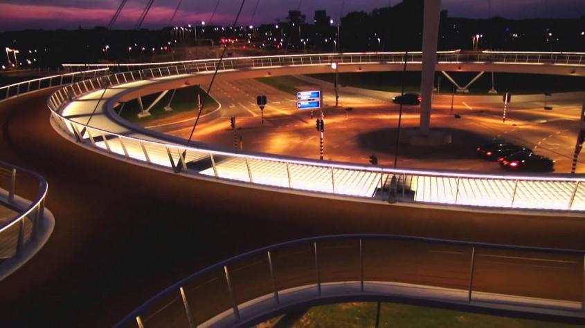 4. Primul sens giratoriu pentru biciclete suspendat din lume