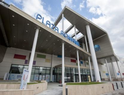 Amenajarea spatiilor interioare si exterioare ale centrului comercial Plaza Mall  Bucuresti MARMODAV SELECT