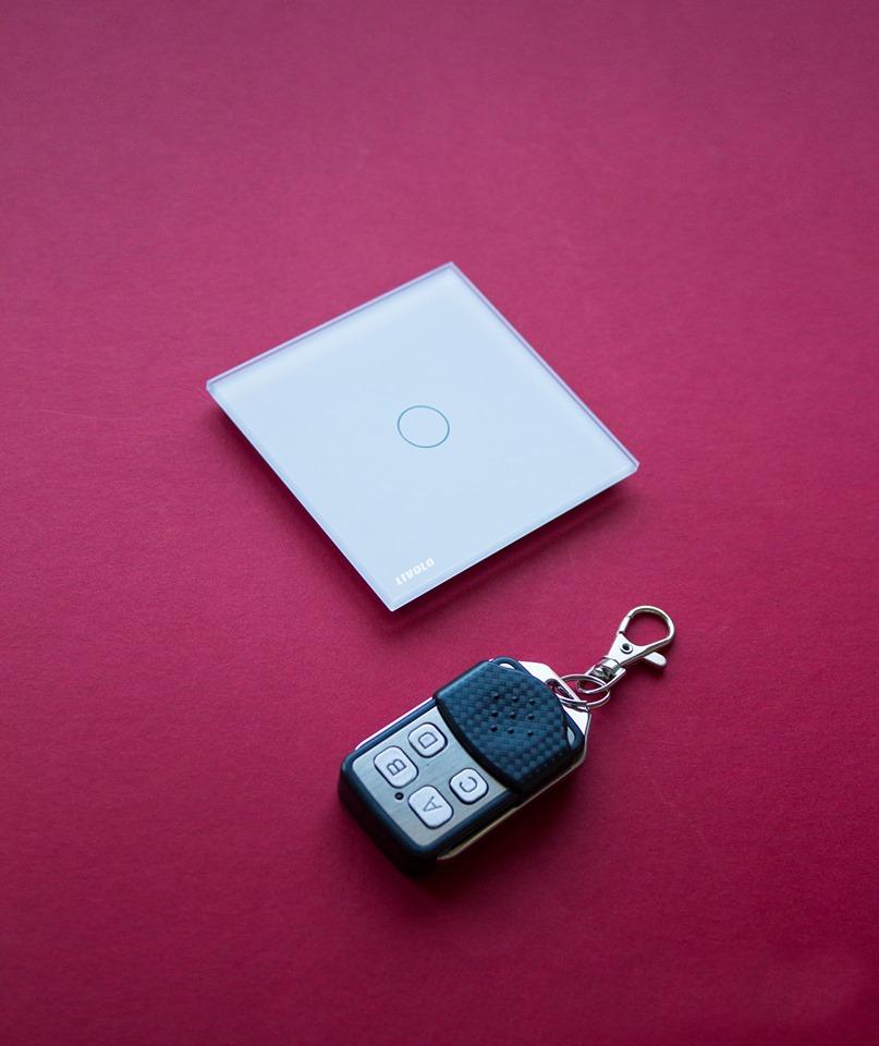 Întrerupatoare cu touch de la Livolo - o viziune nouă asupra device-urilor din casă