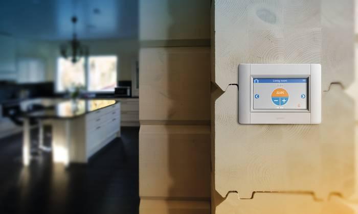 Sistem de comanda inteligent cu autoechilibrare Smatrix - pentru controlul temperaturii interioare