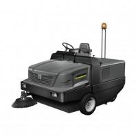 Masina de maturat-aspirat cu post de conducere KM 170-600 R D