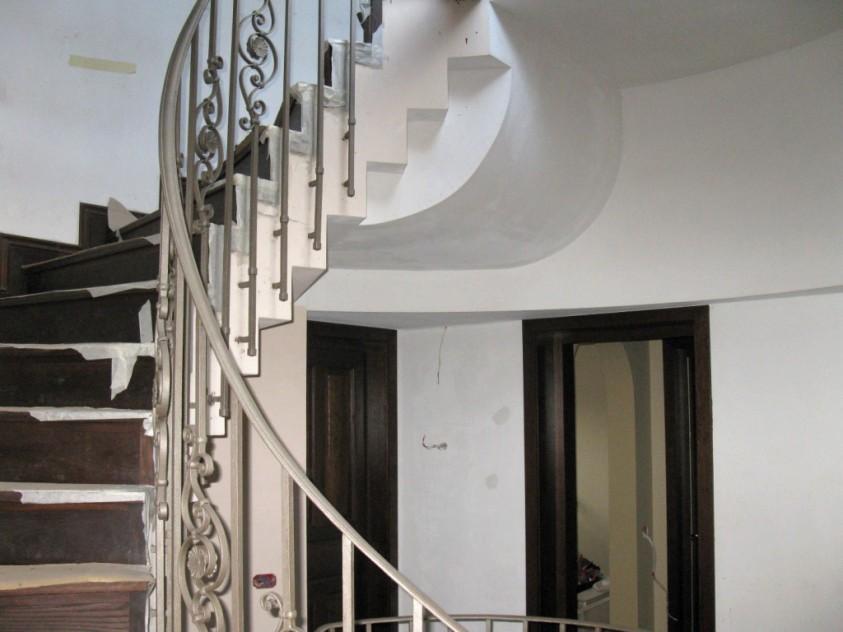 Zona scarii in timpul lucrarilor de restaurare - Casa Ilie Birt Brasov SAINT-GOBAIN CONSTRUCTION PRODUCTS ROMANIA