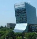 Pereti structurali in plan inclinat, sediul Unicredit Bank Bucuresti