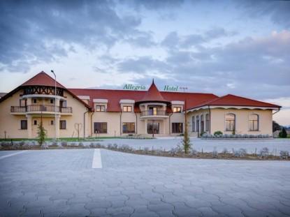 Hotel Allegria Spa, dupa amenajarea exterioara  Alba Iulia ELIS PAVAJE