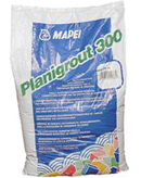 Mortar epoxidic tricomponent cu consistenta fluida Mapei Planigrout 300