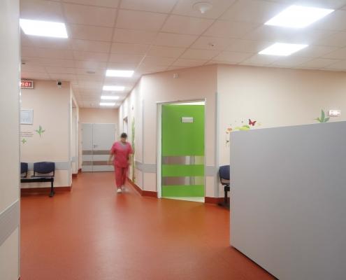Creează o atmosferă primitoare în spital prin alegerea unor uși automate cu un design aparte