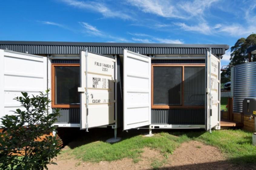 Patru containere au fost transformate într-o casă spațioasă, prietenoasă cu mediul și ieftină