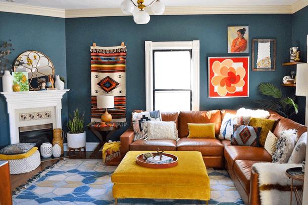 """<b>Culori vii pentru animarea incaperii</b> <p style=""""text-align: left;"""" _mce_style=""""text-align: left;"""">""""Griul a tot fost o tendinta in ultimii ani si nu ne place. Adu caldura in casa cu rosu, portocaliu, albastru si verde. Noi nu ne ferim de culoare si nu ar trebui sa o faci nici tu"""" - Carolina von Humboldt, designer de interior</p>"""