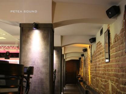 Boxe pe peretii restaurantului Teatris  Galati PETEA Sound