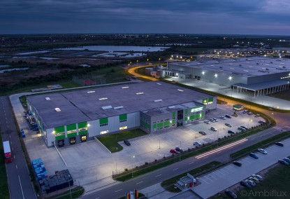Iluminat parcare cu lampi led pentru hala industriala ELECTRONIC INTERACTIV Parcul Eurobusiness I Oradea Bihor ELECTRONIC