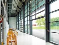 Usa din aluminiu vitrata pe o suprafata larga - ALR 67 Thermo Glazing.
