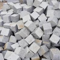 Piatra Cubica Fatetata Granit Bianco Sardo Sablat 10 x 10 x 5 cm - GRN-7525
