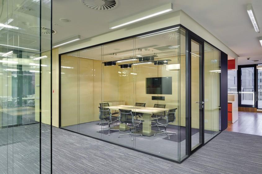 Utilizarea sticlei în amenajările interioare și exterioare