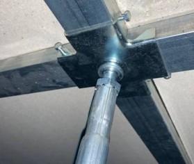 Un proiect inedit de reconversie cu ajutorul pardoselilor suprainaltate Quattro Pavimente Tehnice De la piscina interioara