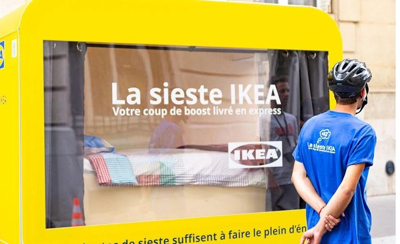 Siesta într-un dormitor mobil Ikea