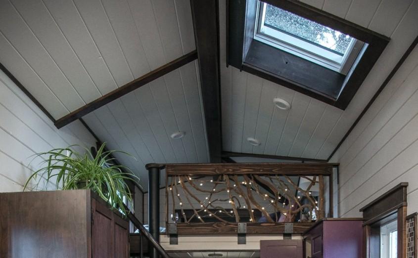 Grandoare pe 20 de metri patrați: Cum arată casa pe roți în stilul Tudor