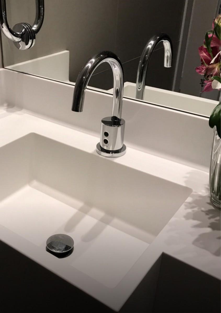 Plăci CORIAN Solid Surface - suprafeţe igienice pentru camere curate
