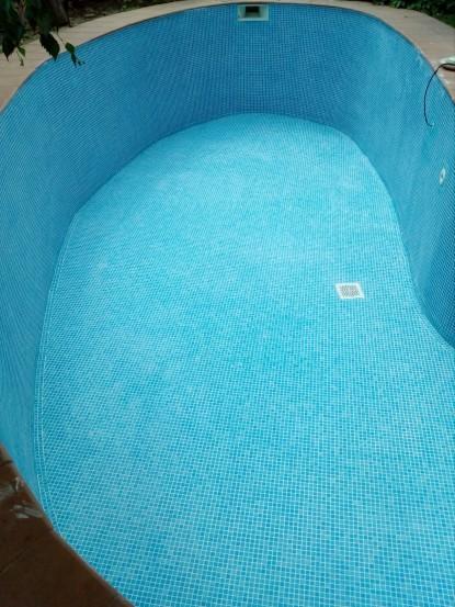 placare piscina cu mozaic Vidrepu  PISCINE DESIGN