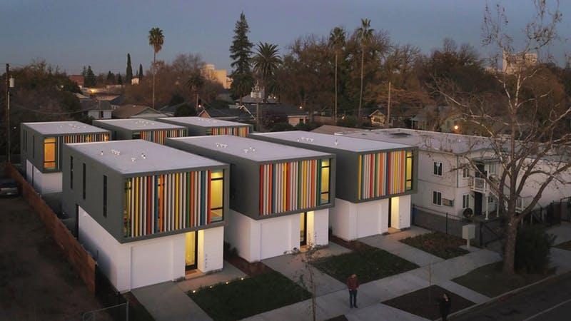 Oak Park Housing - Sacramento, California, de Johnsen Schmaling Architects